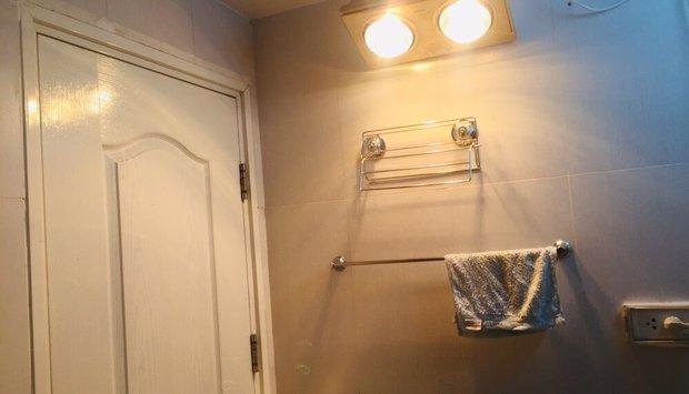 Đèn sưởi phòng tắm treo tường-Những ưu điểm bạn chưa biết