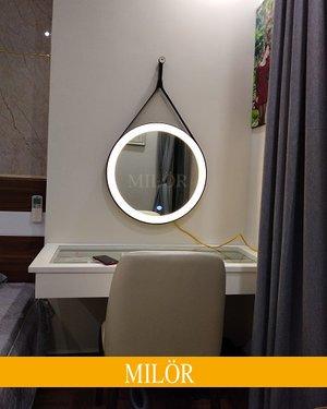 Gương trang điểm treo dây da đèn led (cảm ứng)