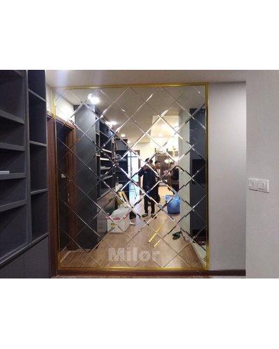 Gương ghép tường cách điệu trang trí phòng khách