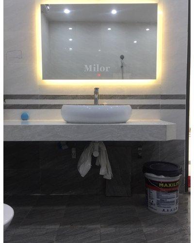 Gương hình chữ nhật Milor treo ngang phòng tắm