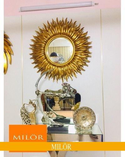 Gương tân cổ điển Mare trang trí phòng khách tại Quảng Ninh