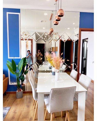 Gương dán tường phòng khách độc đáo Hà Nội