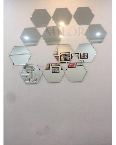 Gương ghép tổ ong trang trí phòng khách đẹp