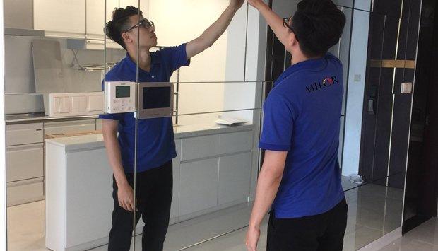 Tư vấn lắp đặt gương ghép tường cho phòng khách